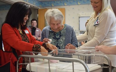 103-year-old nurse Leah Corbin returns to visit Cox Medical Center Branson.